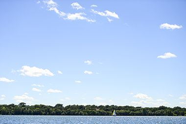 Lake_Harriet_North_boat