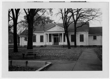Linden_Hills_Park_Shelter_Minneapolis_Minnesota Oct 1955