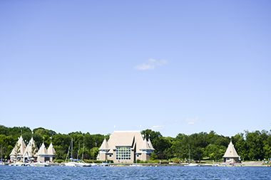 Lake_Harriet_North_bandshell