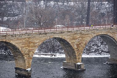 stone_arch_bridge_winter2