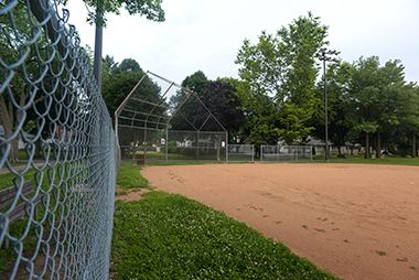 Hiawatha_School_Park_softball