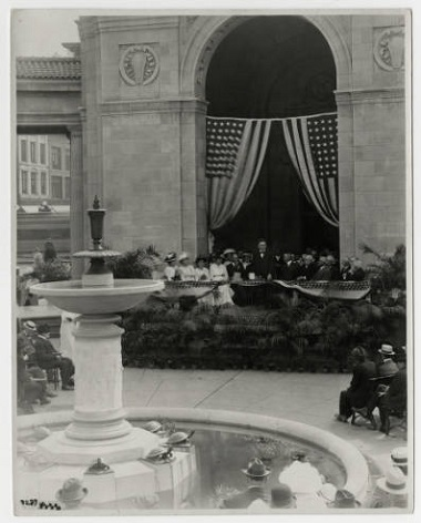 The_Gateway_Park_Fountain_dedication_Minneapolis_Minnesota Aug 5 1915