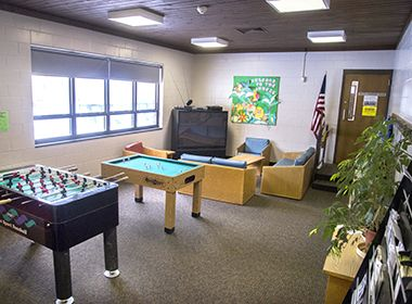 keewaydin_park_center_loungegames2
