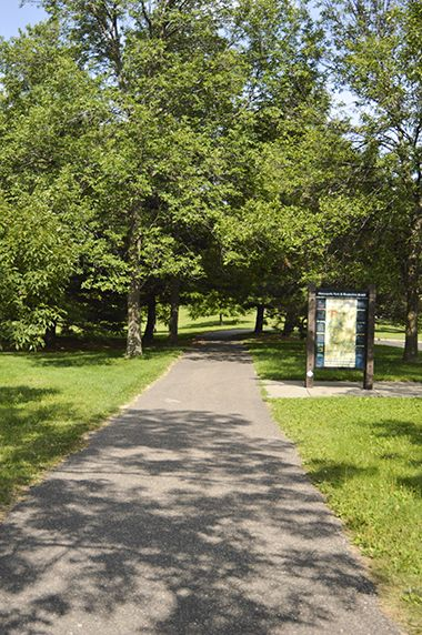 Columbia_Park_walkingpath