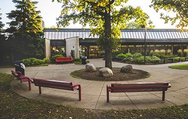 luxton_park_center_benches