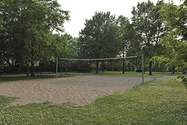 Marshall_Terrace_Park_volleyball
