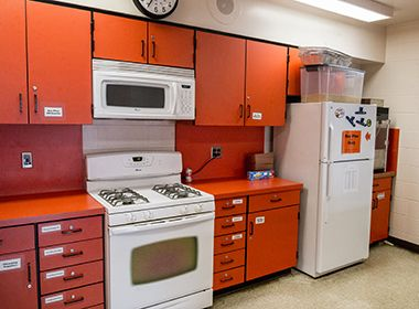 hiawatha_school_park_center_kitchen2