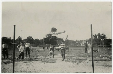 Track_and_field_at_North_Commons_Park_Minneapolis_Minnesota 1905-1915