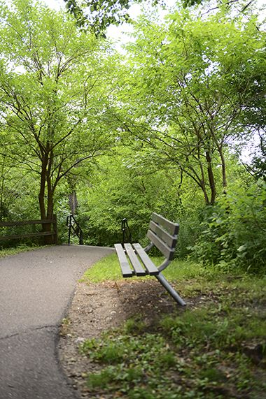 Tower_Hill_Park_bench