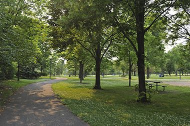 Marshall_Terrace_Park_paths