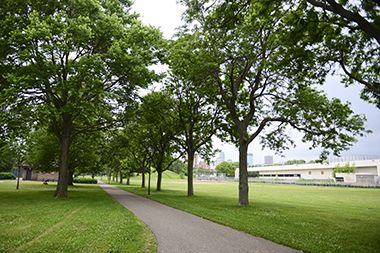 St_Anthony_Park_walkingpath
