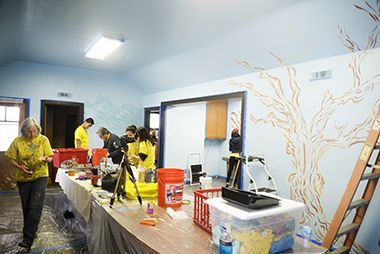 teen_teamworks_mural_painting_1