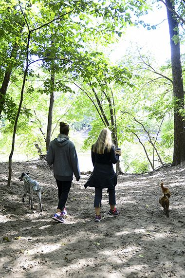 Minnehaha_Dog_Park_walking
