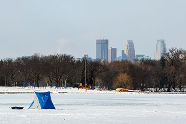 lake_nokomis_ice_fishing