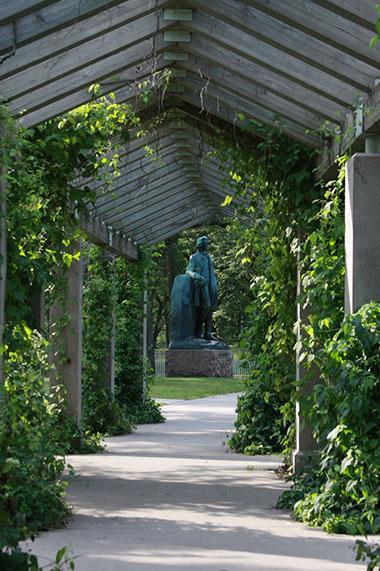 Delightful Minnehaha Pergola Garden