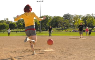 lake_nokomis_park_kickball