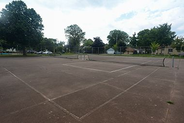 Hiawatha_School_Park_tenniscourt