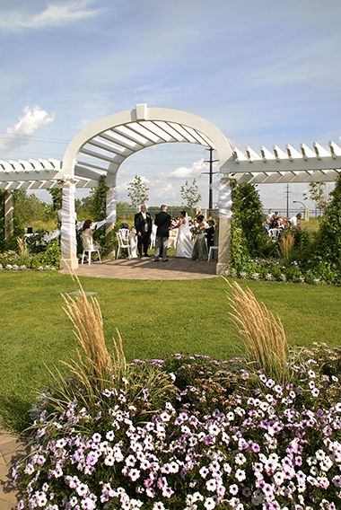 minnehaha_longfellow_wedding_flowers