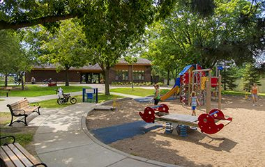 lyndale_farmstead_park_playground