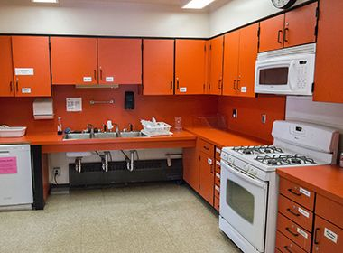 hiawatha_school_park_center_kitchen1