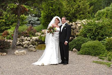 lyndale_peace_garden_wedding_bride_groom2