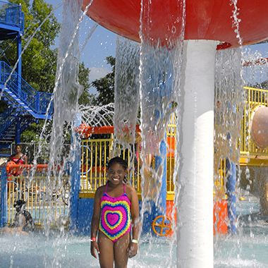 north_commons_waterpark_girl