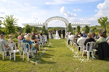 minnehaha_longfellow_wedding_aisle