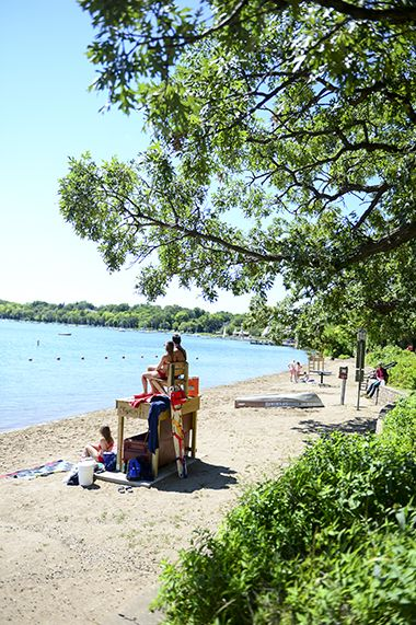 Lake_Harriet_North_lifeguard