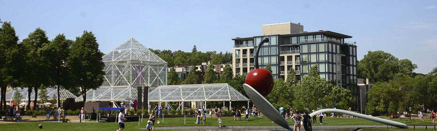 minneapolis sculpture garden and cowles pavilion