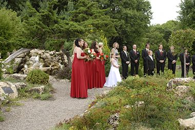 lyndale_peace_garden_wedding_party