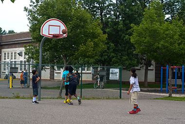 Hiawatha_School_Park_basketball