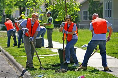 volunteer_cargill_arborday1