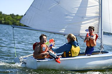 Lake_Harriet_Youth_Sailing_Class1
