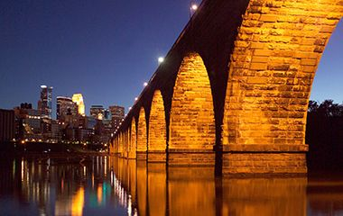stone_arch_bridge_night