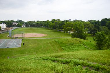 St_Anthony_Park_hilltop