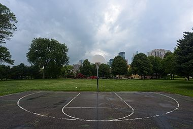 Franklin_Steele_Square_basketball