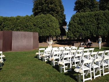 sculpture_garden_wedding_chairs