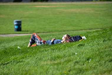 East_River_Flats_Park_nap