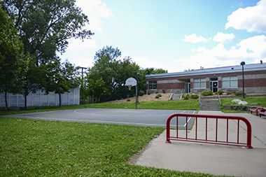 Luxton_Park_basketball