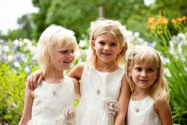 lyndale_peace_garden_wedding_flower_girls