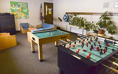 keewaydin_park_center_loungegames1