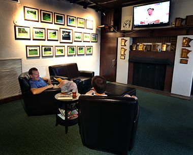 columbia_golf_lounge2