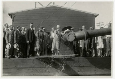Park_Board_Commissioner_Maude_Armatage_christening_the_dredge_at_Lake_Hiawatha_Park_Minneapolis_Minnesota 1930s