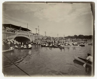 Lake_Calhoun_linking_of_the_lakes_Minneapolis_Minnesota July 5 1911