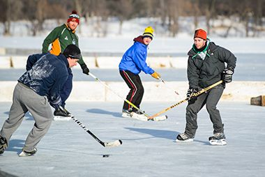 lake_nokomis_pond_hockey