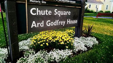 Chute Square Park Garden