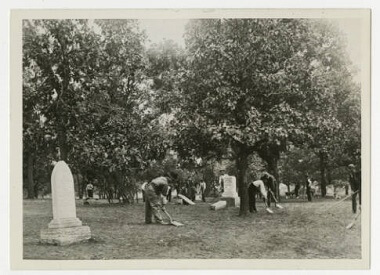 Grave work at Maple Hill Cemetery (now Beltrami Park), 1908