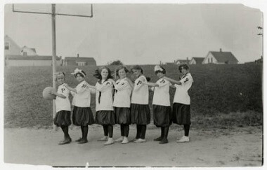 Powderhorn Park girls basketball team, 1900-1920