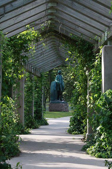 Minnehaha Fall Pergola Garden
